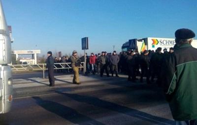 Шахтарі перекрили трасу Київ— Варшава назнак протесту проти діяльністі керівництва вуглепрому
