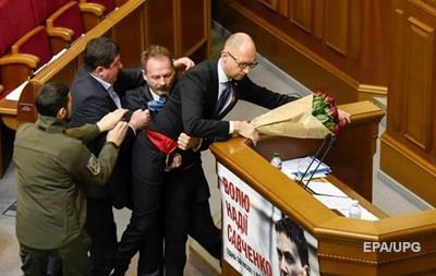 Порошенко осудил инцидент с Барной и Яценюком