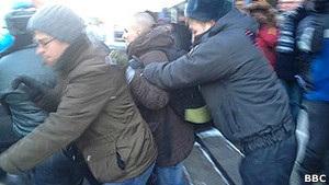 Православные активисты напали на ЛГБТ-активистов у Думы