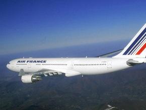 Власти Франции исключили возможность теракта на борту пропавшего самолета