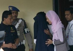 В Малайзии исламская полиция нравов в Новый год задержала 52 неженатые пары