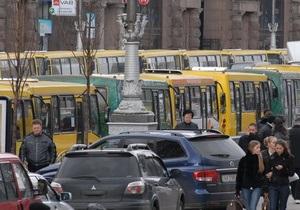 В Киеве водитель маршрутки умер во время рейса