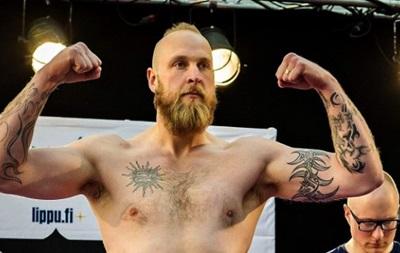 Хелениус стал чемпионом Европы в супертяжелом весе