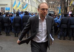 БЮТ: ЦИК осквернила местные выборы, включив в ТИК нелегитимных кандидатов