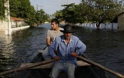В Южной Америке из-за наводнений эвакуировали 150 тысяч человек