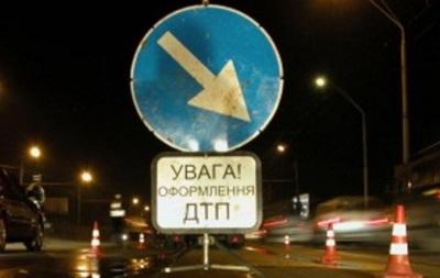 НаЗакарпатті ВАЗ врізався в міст: двоє загиблих, п'ять поранених