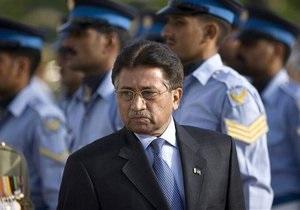 Суд отпустил Мушаррафа под залог, но он остается под домашним арестом