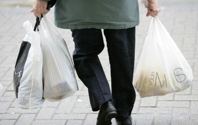 Во Франции вводят запрет на полиэтиленовые пакеты