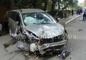 В Жмеринке нетрезвый водитель на тротуаре сбил насмерть мужчину и его дочь
