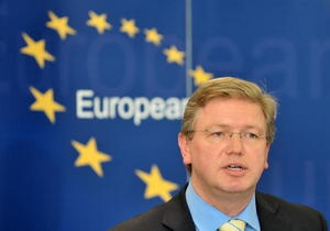 Фюле надеется, что во время визита в Украину сможет понять происходящее в стране