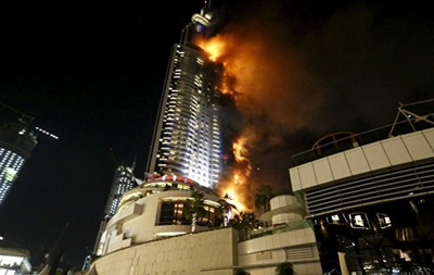 Пожар в отеле-небоскребе Дубая затронул 40 этажей