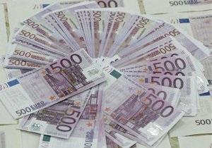 Евро и доллар продолжили рост на межбанке