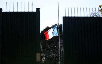 В годовщину трагедии Charlie Hebdo в Париже убили смертника
