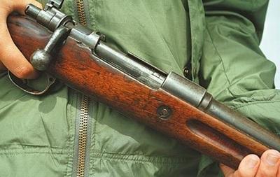 В Киевской области мужчина стрелял по детям из-за петард