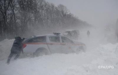 На Кировоградщине девять машин застряли в снежных заносах