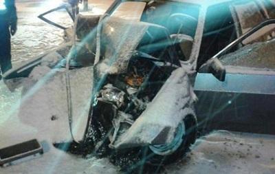 В Харькове ВАЗ влетел в снегоуборочную машину: погибла пассажирка