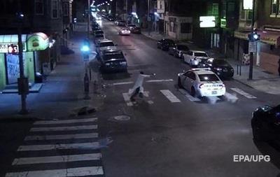 Чоловік напав наполіцейського «в ім'я ісламу»— США