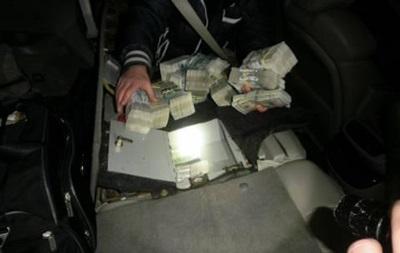 В ДНР пытались провезти пять сейфов с деньгами