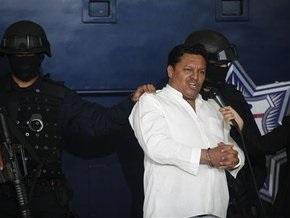 Жена религиозного фанатика, угнавшего самолет в Мексике, извинилась за поступок мужа
