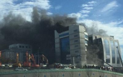 В Стамбуле горит отель