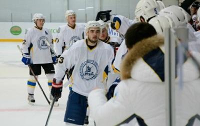 Хокей: Витязь знову розгромив Компаньон
