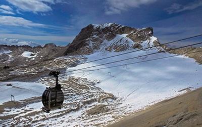 Во французских Альпах лавина замела школьников, есть жертвы