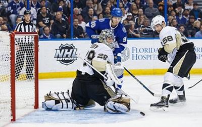 NHL: Десятая кряду победа Чикаго, поражение Питтсбурга и Далласа