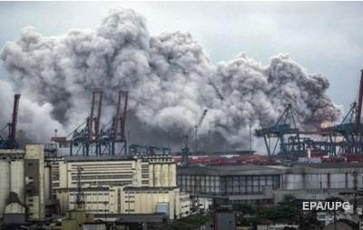В Бразилии потушили крупный пожар на складе химикатов