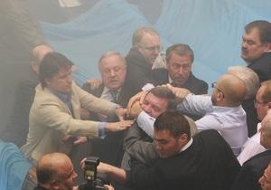 Депутат НУ-НС требует завести дело на сына Януковича