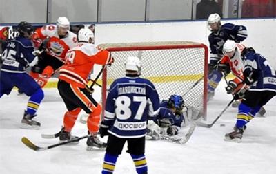 Хокей: Кременчук розгромив Юність, відправивши у ворота вісім шайб