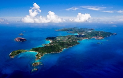 13 человек погибли при крушении судна в Карибском море