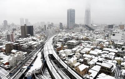 Из-за снегопадов в Японии погибли девять человек