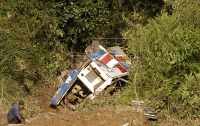 В Боливии автобус упал в ущелье: девять погибших