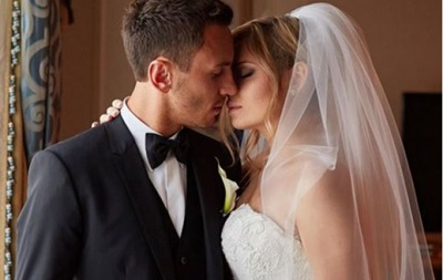 Відео найкращих моментів весілля динамівця Рибалки і співачки Захаренкової