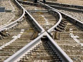Милиция ищет белоруса, спавшего на рельсах под проходящим поездом