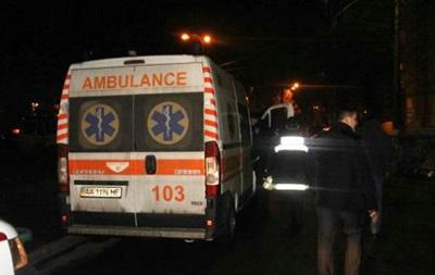 В Киеве мужчина выбросил из окна племянника и пытался покончить с собой