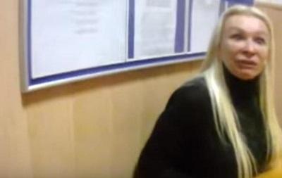 Мажорная  блондинка устроила скандал полицейским