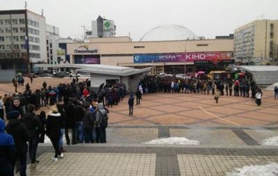 Билеты на Лигу чемпионов: фанаты Динамо стоят у касс с раннего утра