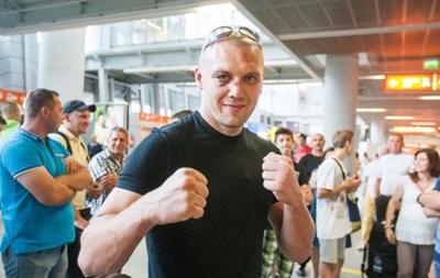 Команда Гловацки хочет перенести бой с Усиком на лето