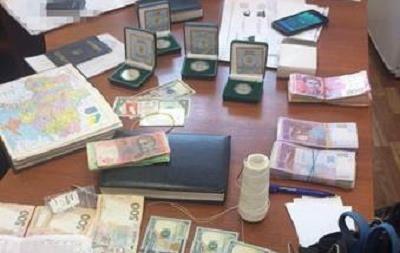 В Запорожье на взятке попались три сотрудника СБУ