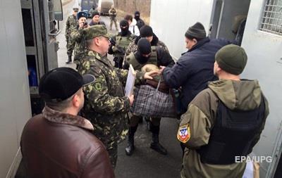 Киев подтвердил передачу заключенных из ДНР