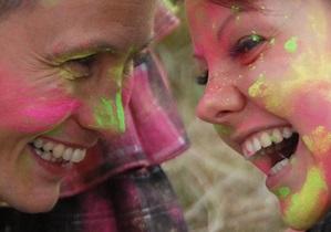Фотогалерея: Вогнали в краску. В Киеве прошел индийский фестиваль Холи