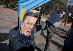 Кабмин поручил пресекать распространение материалов с призывами к свержению власти