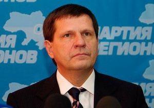 Ъ: Костусев решил подать в отставку после встречи с Януковичем