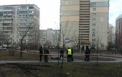 В Киеве посреди улицы застрелился пенсионер