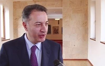 Министра экономики Армении ограбили в Европе