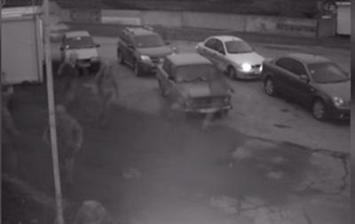 Обнародовано видео обстрела КПП на Донбассе