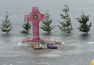 Крещение - купание в проруби - купание в ополонке - В Новосибирской области мужчина умер после купания