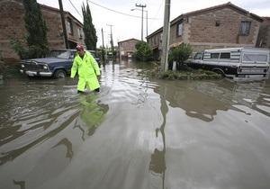 В Мексике тропический шторм унес жизни 11 человек