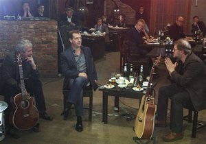 Журналиста Коммерсанта не пустили на встречу Медведева с рок-музыкантами из-за черного списка ФСО